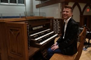 Organist Tyler Canonico